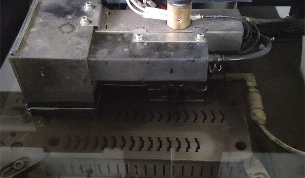 troqueles de corte de rotura de puente térmico, máquina de extrusión de rotura de puente térmico, matrices de corte para la poliamida,